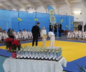 Młodzi judocy w mikołajkowym turnieju