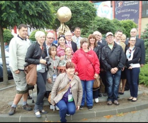 Rzeźba upamiętniająca mistrzostwa stanęła przed halą CSB